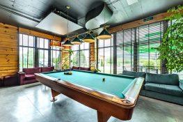Billiard Game Hotel 3 Mountains