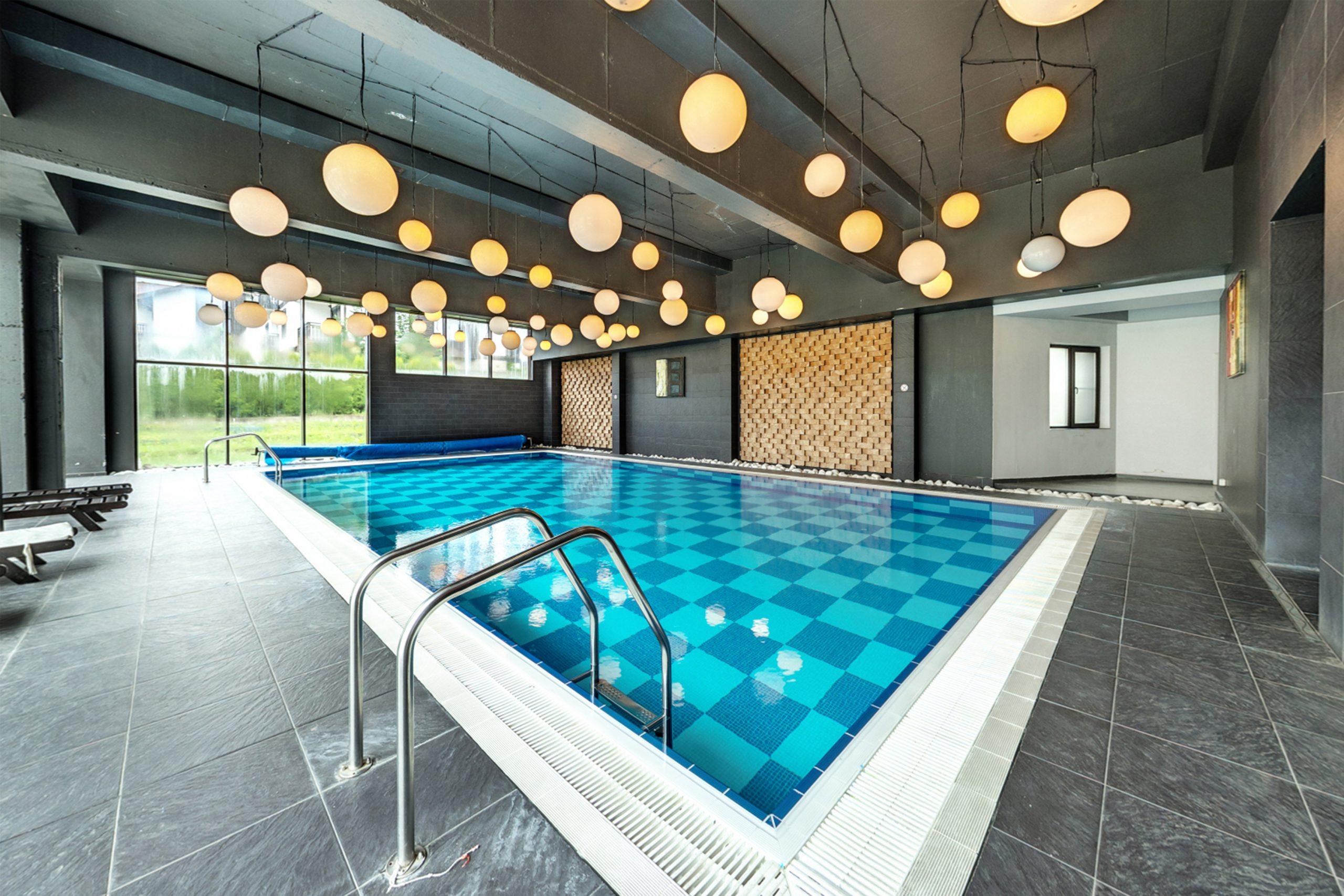 Swimming Pool Hotel 3 Mountains