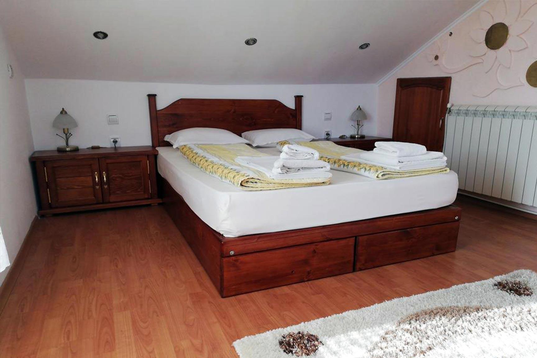 спалня - Къща за гости Васил