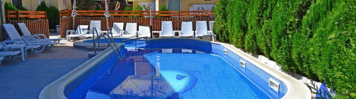 басейн Къща за гости Катрин